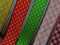 Schrägbänder Karo und Punkte